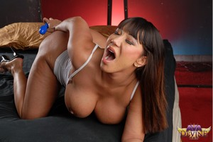 Extreme Big Booty Anal Stretching
