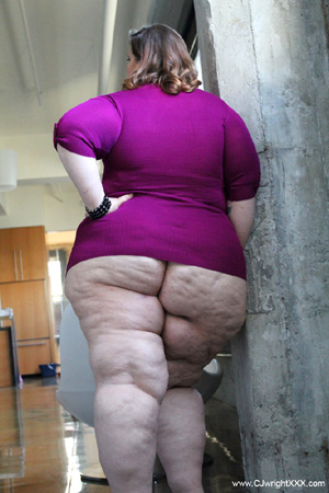 Big Booty BBW MILF with a Huge Cellulite Ass