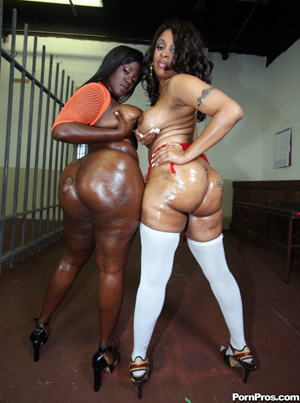 klitorisen big black asses