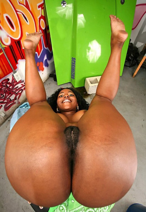 Big ass ebony booty pics