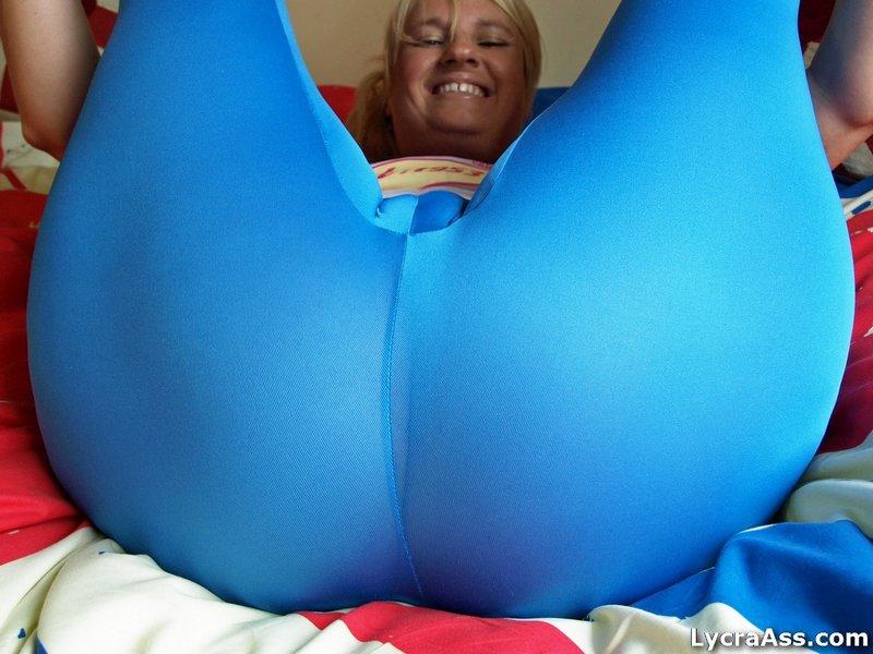 nice thick girl naked