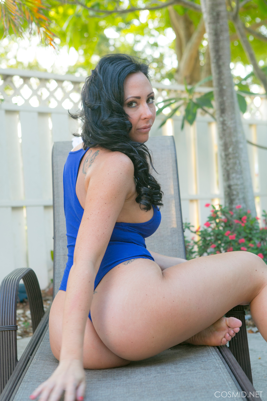 fat white ass bikini stripping