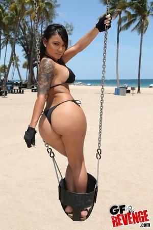Candid Big Ass Beach Bikini MILF