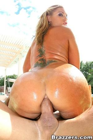 Huge Ass Mom Riding a Big Cock