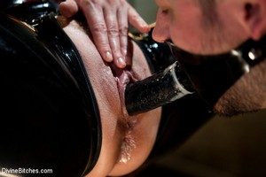 Slave Eating Big Booty Mistress Pussy