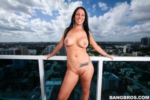 Big Ass Girl Twerking