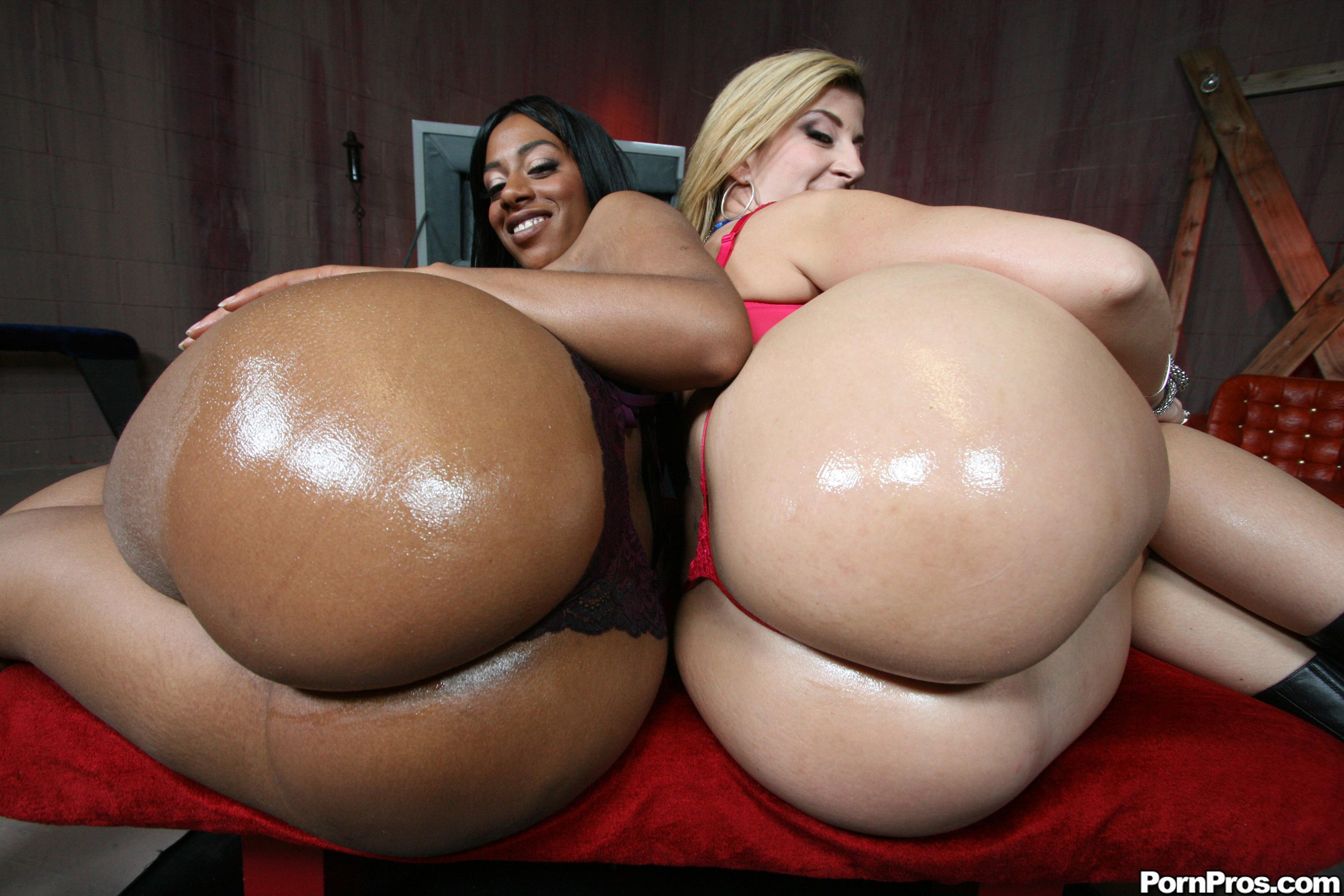 Big fat ebony anal