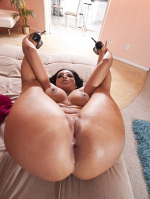 Super Fat White BBW Ass Shaking